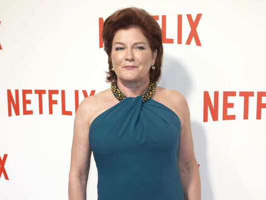 Kate Mulgrew breaks with past in memoir